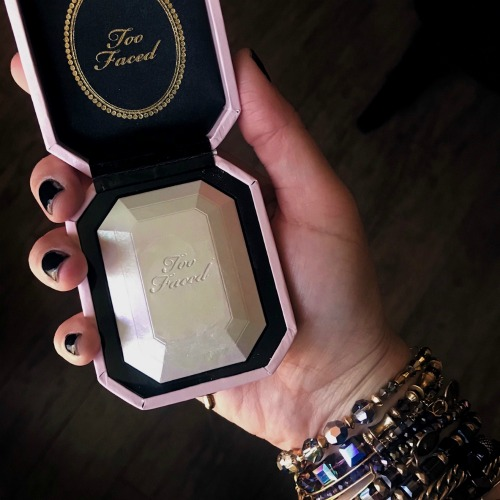 Tried It: Too Faced Diamond Light Highlighter
